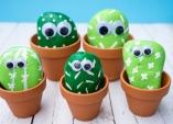 Kaktusy z kamínků, letní zábavné tvoření pro děti